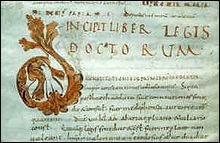 Quel recueil de lois, inspiré du Droit romain, Clovis imposa-t-il à tous ses sujets d'origine Gallo-Romaine après cette victoire ?