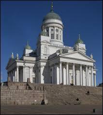 Sous la domination de quel Etat étranger était Helsinki en 1914 ?