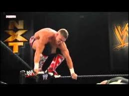 Quel est le finisher de Tyson Kidd (autre que le Sharpshooter) ?