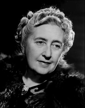 Complétez : Agatha Christie a écrit... qui appartient au genre...