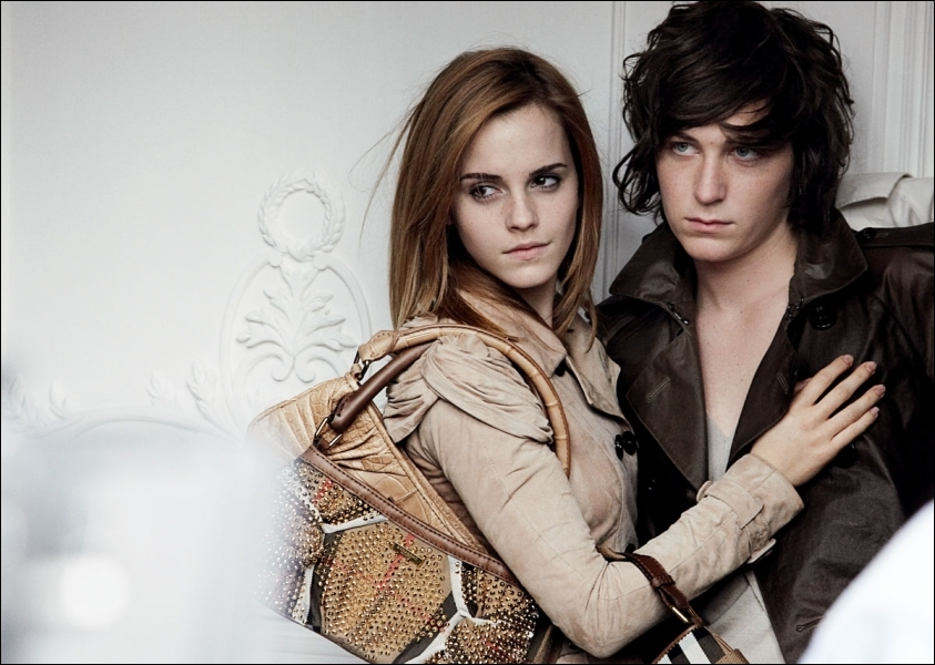 En 2009, Emma Watson devient une égérie publicitaire : de quelle marque ?