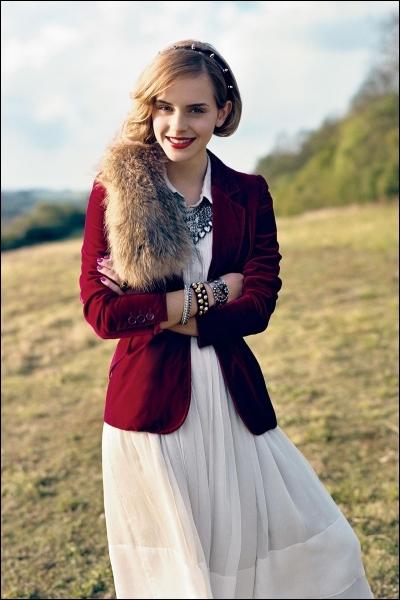 En mai 2011, Emma Watson termine première au classement effectué par le ''Glamour Magazine'' de la femme...