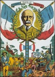Quel était le titre de la chanson de propagande du régime de Vichy ? Diffusée à la radio et chantée dans les écoles, elle était devenue l'hymne officieux de l'Etat français