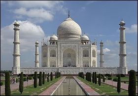 Quel est le surnom du Taj Mahal ?
