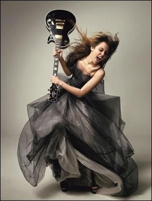 De quels instruments joue-t-elle ?