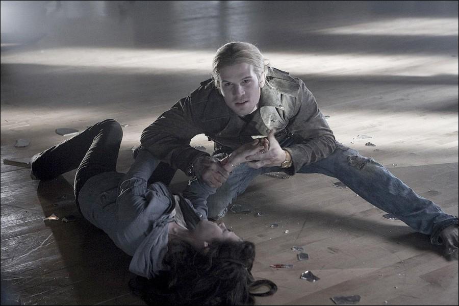 Qu'arrive-t-il à Bella avant qu'Edward ne la sauve ?