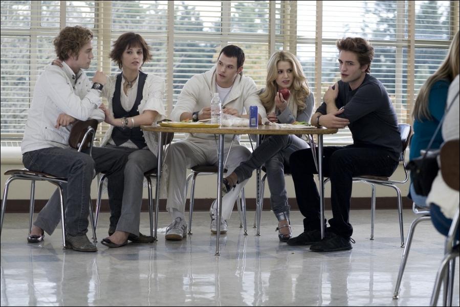 Où Bella et Edward se sont-ils vus pour la première fois ?