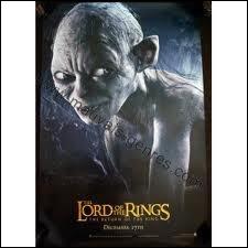 Lorsque nos deux héros (Frodon et Sam) sont endormis, que décide de faire Gollum ?
