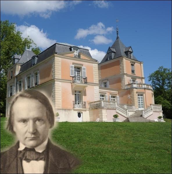 Les Roches  à Bièvres, fut pendant plusieurs années la résidence d'été de ce poète et romancier, considéré comme l'un des plus importants écrivains de langue française