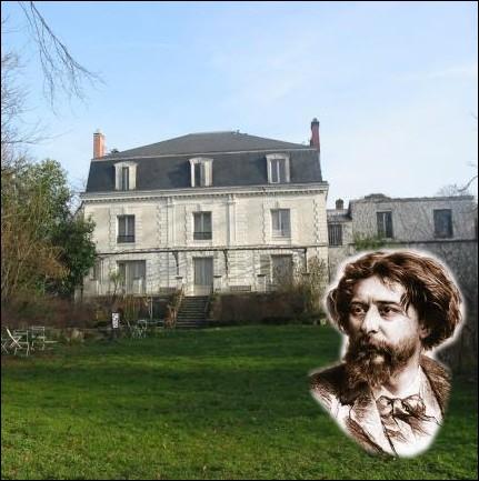 Dans cette maison du hameau de Champrosay en Essonne, l'auteur du   Petit Chose   y recevait des invités de marque comme les peintres Renoir, Cézanne ou Monet ... .