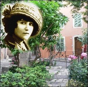 Elle achète cette petite maison de la baie des Canebiers à St Tropez en 1925 et la baptisera   La Treille Muscate  . Elle y retournera tous les étés et y écrira son livre   La naissance du jour   . .
