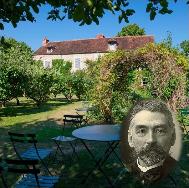 Le   Prince des poètes   découvrit ce havre de paix en 1874 à Vulaines-sur-Seine. Il y séjourna régulièrement et s'y installa définitivement à sa retraite en 1893 ... .