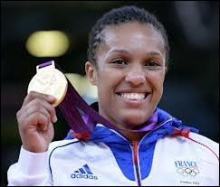 Qui est cette championne, médaille d'or en judo ( -70 kg ) ?