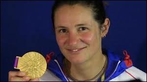 Qui est cette championne, médaille d'or canoë-kayak ( slalom ) ?