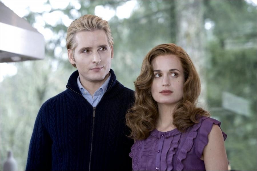 Pourquoi la famille Cullen doit-elle partir ? (film 2 Tentation)