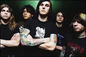 Ce groupe de metalcore est bien connu. Il s'agit de :