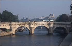 Bien qu'il ait gardé son nom d'origine, c'est le plus ancien pont de Paris resté intact à notre époque .....