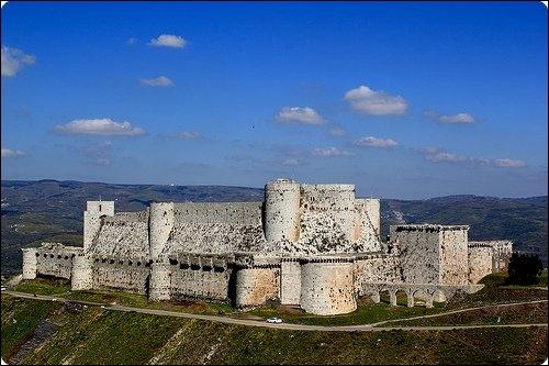 Quelle est cette imposante forteresse ?