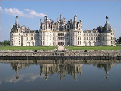 Dans quel département se situe le château de Chambord ?