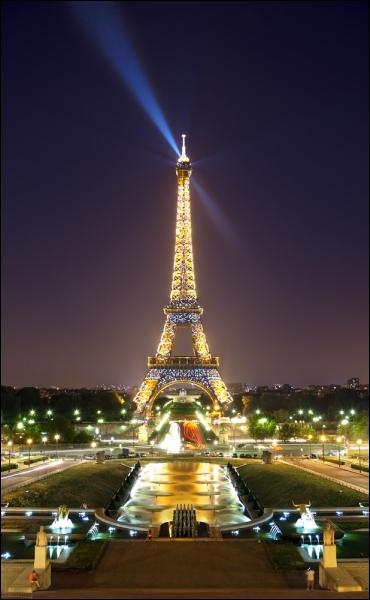 Où se situe ce monument ? Tour Eiffel