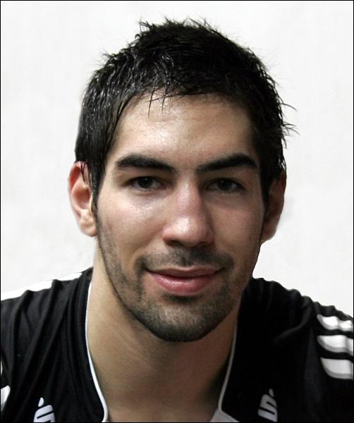 Je porte le numéro 13 dans l'équipe de France de handball, je suis...