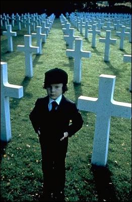 Qui revient à la vie en premier dans le film  Simetierre  ?