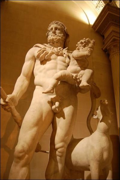 Les douze travaux d'Héraclès le pousse à combattre, entre autres, des humains qui transgressent des grandes lois de la civilisation, la tribu des Amazones par exemple. Pourquoi est-elle perçue ainsi ?