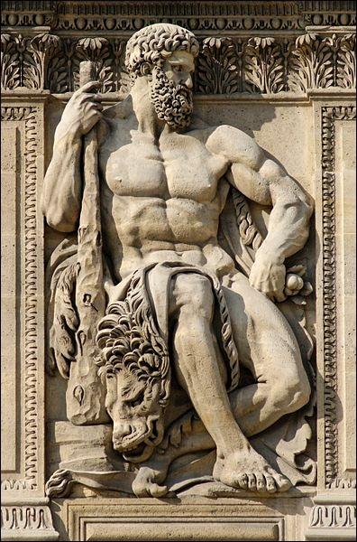 Sur l'ordre d'Eurysthée, Héraclès dut exécuter douze travaux. Son neuvième exploit concerne la tribu des Amazones. Quel est-il ?