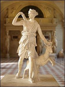 Mythologie : Quel est le nom grec de la déesse de la chasse ?