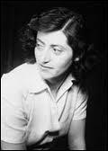 Comment s'appelle la femme résistante dont le vie fut adaptée au cinéma par Claude Berri en 1996 ?