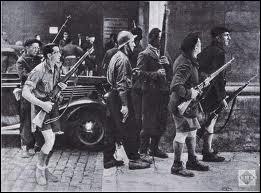 Quelles forces armées de la Résistance ont contribué à la libération de Paris en août 44 ?