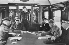 À quel titre le maréchal Philippe Pétain a-t-il accepté l'armistice du 22 juin 1940 à Rethondes ?