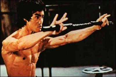 Connaissez-vous l'origine du nunchaku, utilisé dans les arts martiaux ?