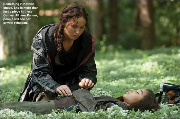 Quel est le nom de la chanson que chante Katniss pour Rue ?