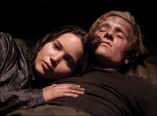 Que donne Katniss à manger à Petta ?