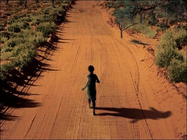 Sorti en 2005, ce film de Michael Caton-Jones parle du génocide rwandais de 1994, responsable de la mort de plus de 800 000 Tutsis et Hutus. Y jouent John Hurt, Hugh Dancy, Claire-Hope Ashitey.