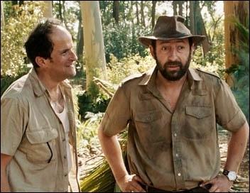 C'est un film d'Olivier Baroux sorti en 2008, dans lequel Kad Merad est un guide qui n'a jamais mis les pieds dans la brousse.