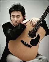 Qui est ce chanteur coréen agréable à écouter ?