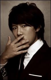 Qui est ce chanteur coréen malheureusement peu connu ?