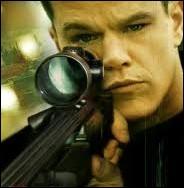 The Bourne Trilogy  ( The Bourne Identity ,  The Bourne Supremacy  et  The Bourne Ultimatum ) a bêtement été traduite avec l'expression  dans la peau  en VF ! Trouvez les bons titres.