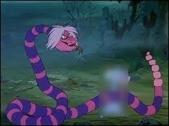 Mme Mim devient un serpent pour avaler Merlin qui s'était transformé en quel animal ?