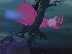 En quel animal Merlin se transforme-t-il pour  botter les fesses   de Mme Mim- rhinocéros ?