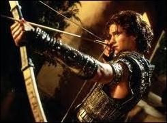 Ce héros fut tué par une flèche qui a atteint la seule partie vulnérable de son corps. Quelle est-elle ?