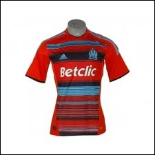 Quelle équipe française porte ce maillot ?