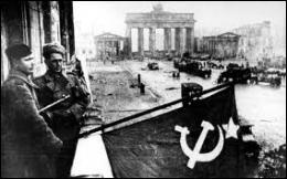 Quel est le sort des pays   libérés   par l'URSS sur le front de l'Est ?