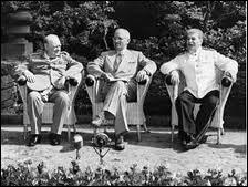 Quelle est la conférence suivante qui réunira 6 mois plus tard les 3 grandes puissances pour fixer définivement le sort de l'Allemagne, de l'Italie et du Japon ?
