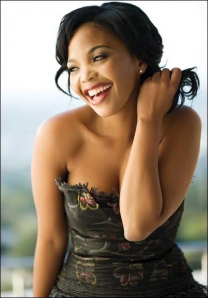 Actrice sud-africaine, je me suis faite connaître du public international par mon rôle dans  Mon nom est Tsotsi , le premier film africain à obtenir un Oscar (2006). J'ai aussi joué dans  Au nom de la liberté ,  Goodbye Bafana  ou  Mandela : Un long chemin vers la liberté . Je suis...