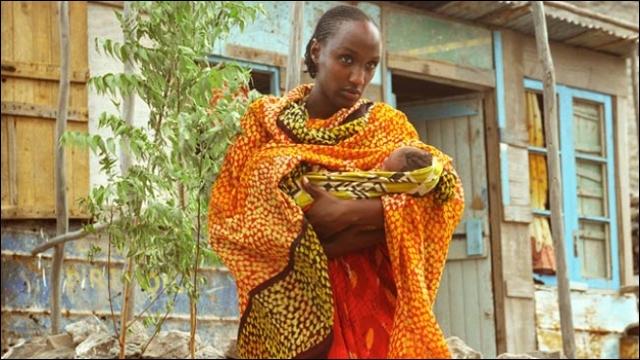 Actrice djiboutienne, j'ai joué dans  Si le vent soulève les sables...   de Marion Hänsel en 2007. Je suis...