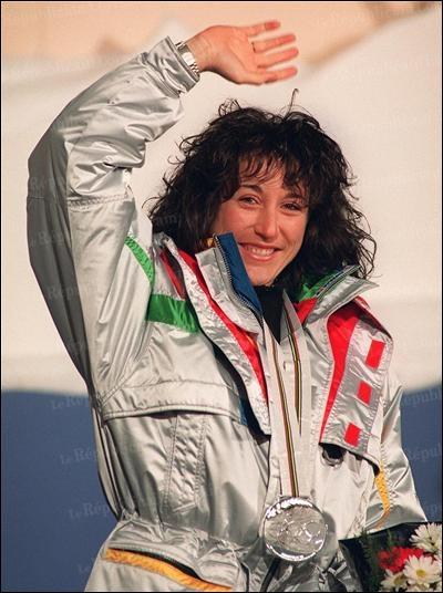 Avec 26 victoires en Coupe du monde, 1 médaille d'or en Championnat du monde et 1 d'argent aux JO d'Albertville, c'est la skieuse française la plus titrée. Quel est son nom ?