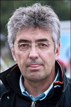 En 1997 après avoir mis un terme à sa carrière de coureur, Marc Madiot a fondé et dirigé une équipe cycliste. Laquelle ?